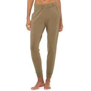 Alo Yoga Limited Edition Washed Unwind Sweatpant